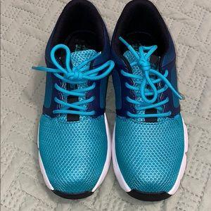 Hytest steel toe shoes